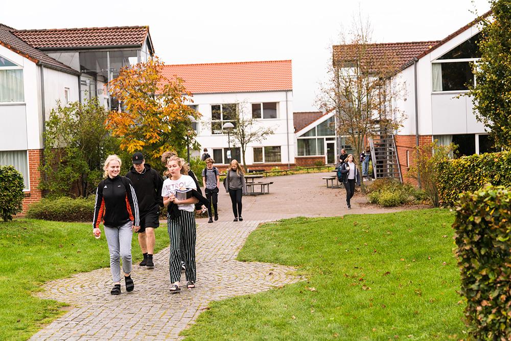 Elev husene på Skals Efterskole