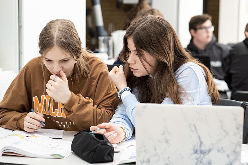 Skals Efterskole er Danmarks Førende Cambridge IGCSE skole